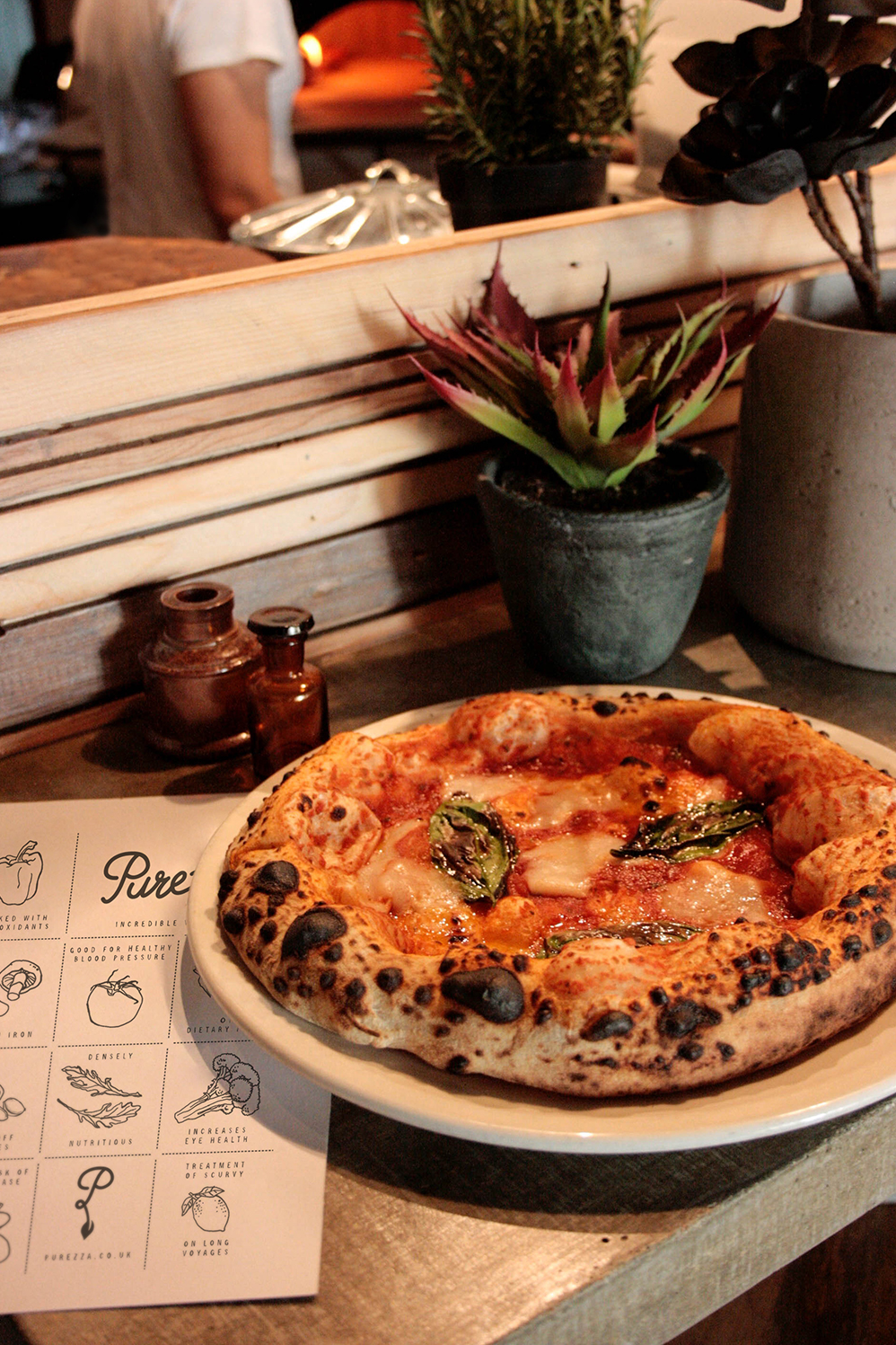 Purezza-vegan-interior-design-food-branding-cool-restaurant-pizza-brighton-dining