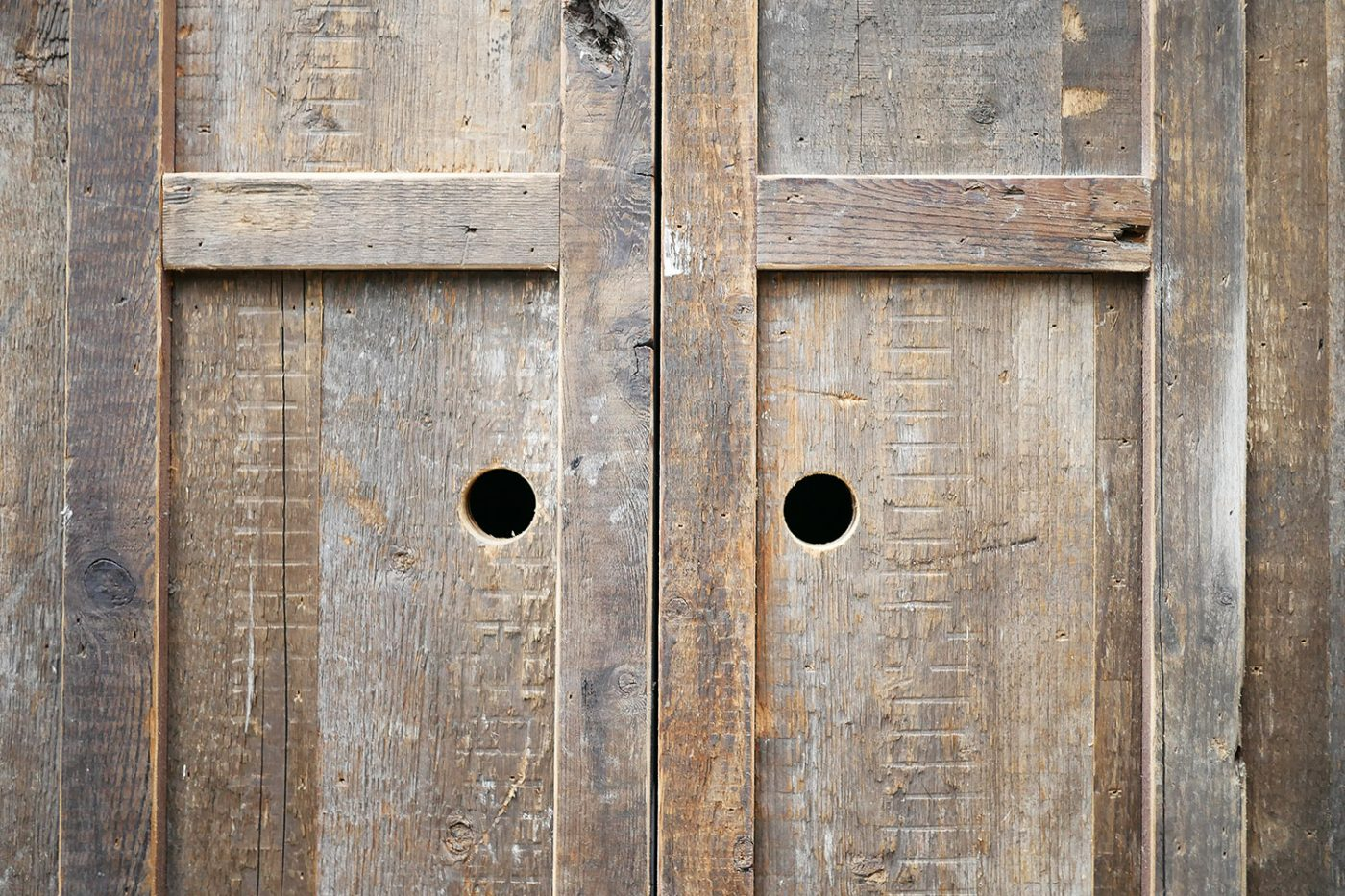Mam_Restaurant_bar_Design_details_interior_details_wooden_door_antique_vintage