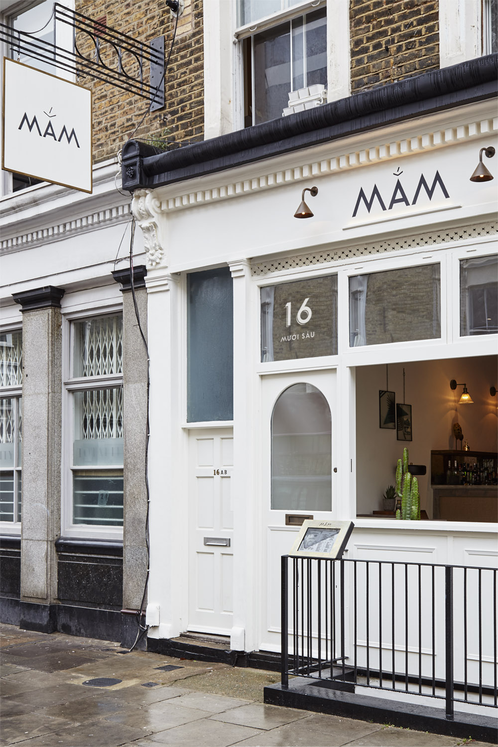 Mam_restaurant_bar_interior_design_branding_london_nottinghill_external_signage_decal_lighting_hanging_sign